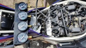 ZZ-R 600 Vergaser mit Sync-Tester